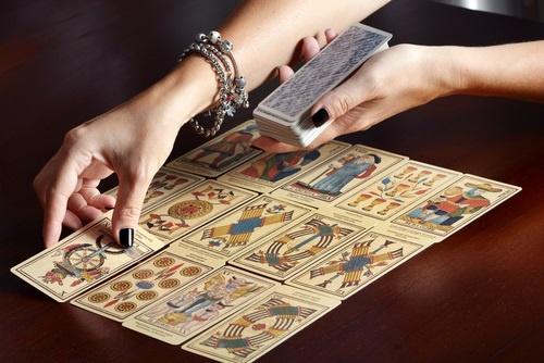 Il mondo dei tarocchi: tra storia e business